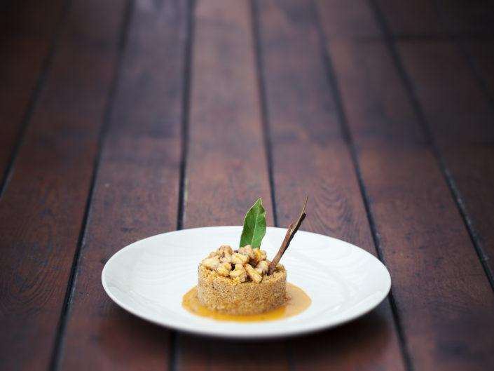 Fotografo per ristoranti food piatti gourmet. In foto c'è il cous cous di pesce