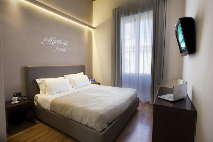 Fotografo per alberghi e strutture di lusso. In foto mini suite matrimoniale