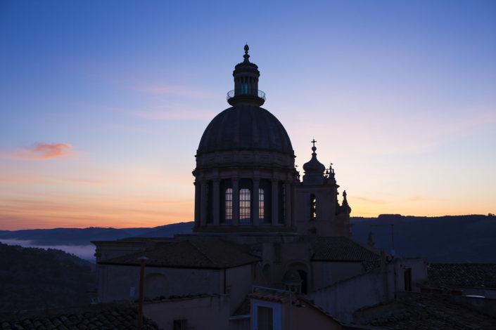 fotografia fine art per arredare stampata su tela canvas fotomodella cupola di Ragusa