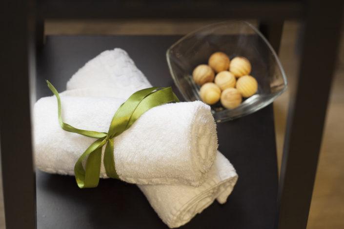 Fotografia di asciugamani in alberghi per riprendere un dettaglio in foto