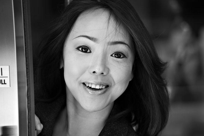 Foto Reportage in bianco e nero realizzate in Giappone, Usi e costumi di un popolo, qui in foto promo piano di una ragazza giapponese