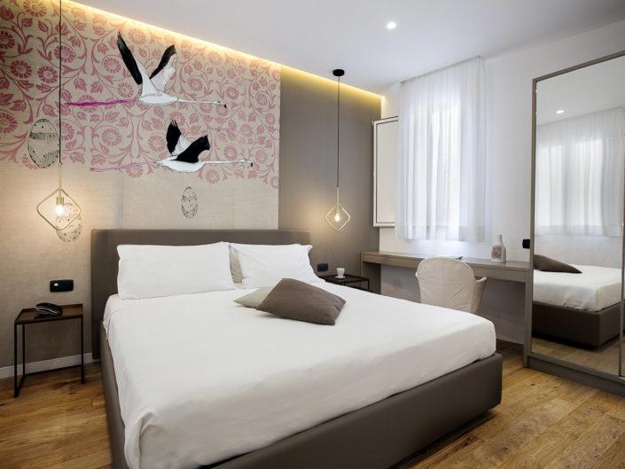 Foto bellissime per alberghi e case vacanza di lusso, bed and breakfast di charme, luminose e di alta qualità professionale. Ottima post produzione. In foto una mini suite