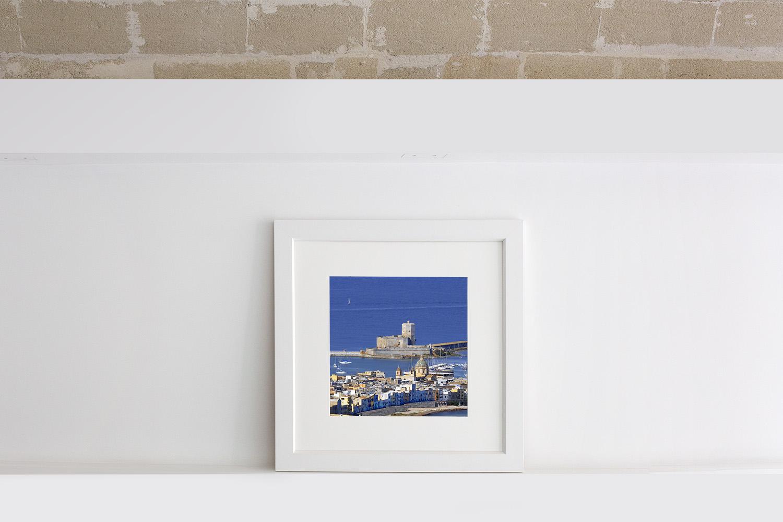 Vendita fotografia quadrata con cornice bianca di un immagine di Trapani con mare cupole e Colombaia