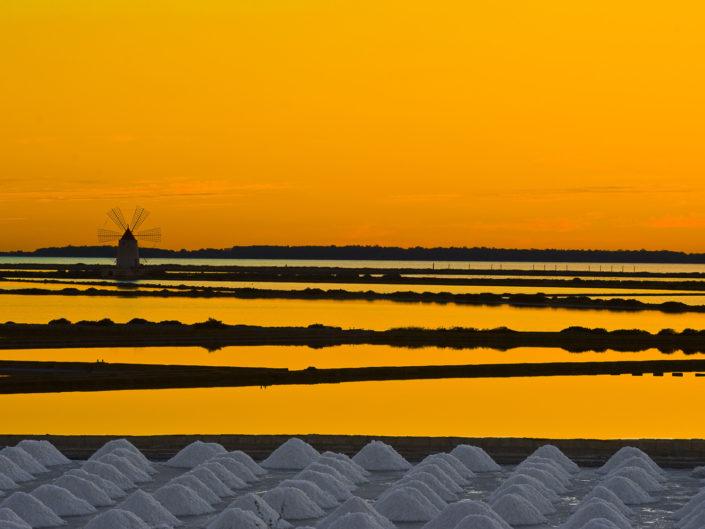 Arredare con le fotografie d'autore delle saline siciliane