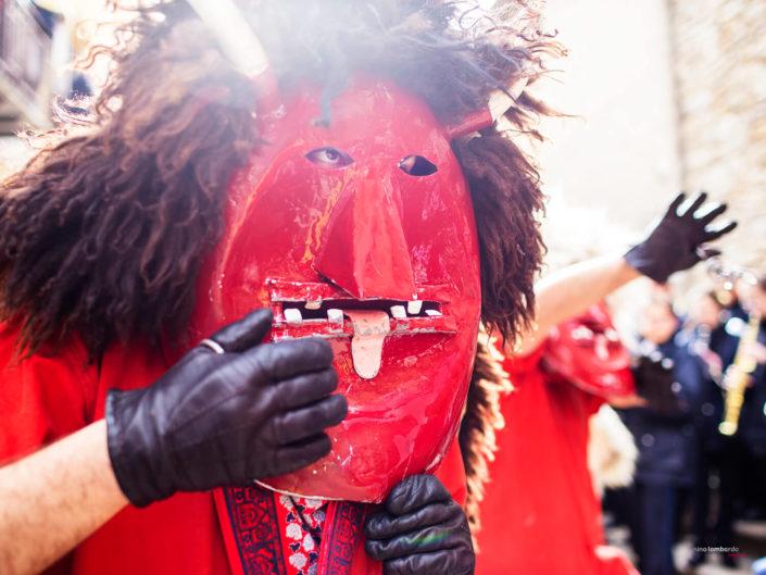 Il ballo dei Diavoli in Sicilia a Prizzi durante la settimana santa