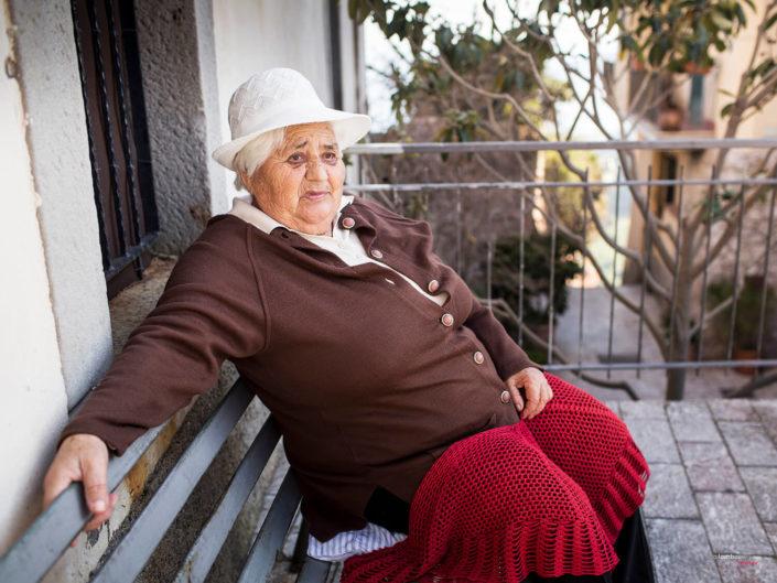 Donna siciliana fotografie di viaggiatori alla scoperta della sicilia