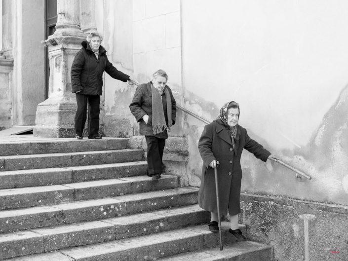 Donne anziane Siciliane Fotografia di Viaggio in Sicilia
