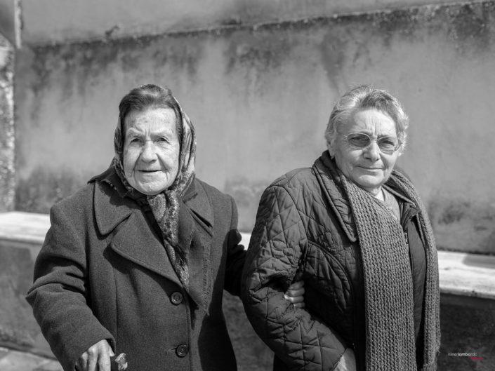 Anziane donne di Sicilia, Fotografia di Viaggio