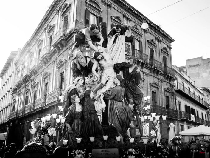Gruppo Statuario Di Caltanissetta Fotografia durante la settimana di Pasqua